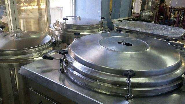 سلف سرویس دانشگاه بناب مجهز به تجهیزات صنعتی است