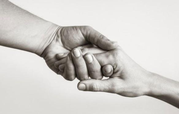بیماری لاعلاج فرزند و سکته مغزی پدر؛ دستان این خانواده را بگیرید