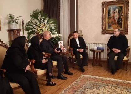 ملاقات واعظی با 2 خانواده جانباخته سقوط هواپیمای اوکراینی