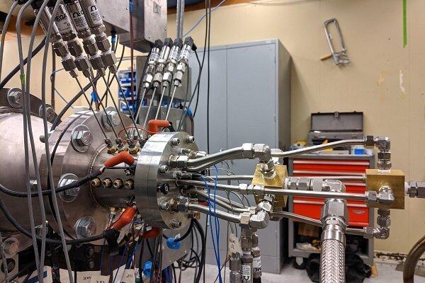 فراوری موتور سبک و ساده راکت با مدل سازی رایانه ای