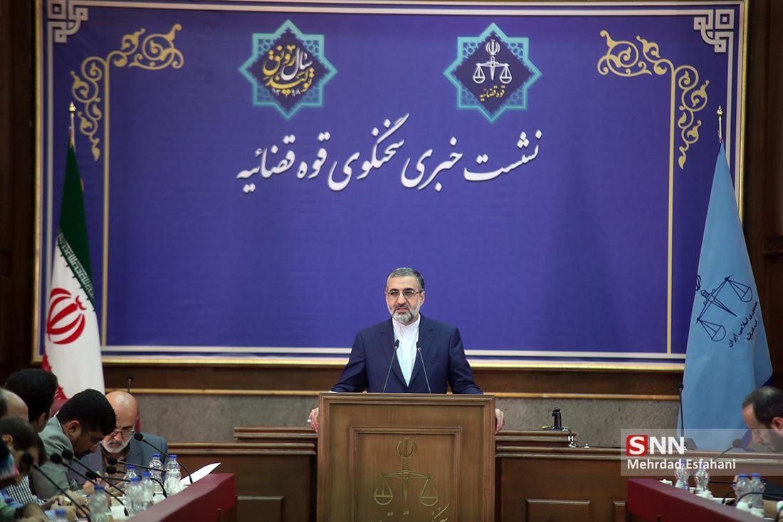اسماعیلی: اظهارات رئیس پلیس تهران دقیق نبود ، رحیمی: آزادسازی زندانیان جرایم را افزایش داده است