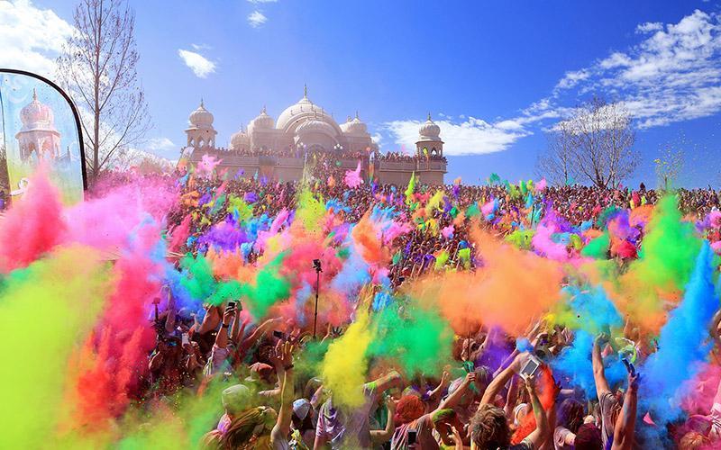 تصاویری زیبا از جشن هولی در هند، فستیوال شاد رنگ ها